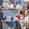 Gerard Piqué, sa compagne Shakira et leur fils Milan assistent à la finale du tournoi de tennis Conde Godo à Barcelone, le 26 avril 2015.