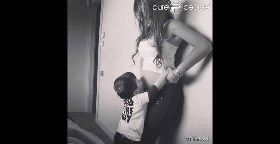 Lionel Messi annonce l'arrivée de son deuxième bébé sur Facebook le 30 avril 2015.