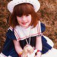 Anne Hathaway a posté une photo d'elle enfant pour le rendez-vous des réseaux sociaux, le throwback thrusday le 30 avril 2015. C'était surtout l'occasion pour elle de soutenir les World of Children Awards