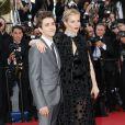 """Sienna Miller (habillée en Sonia Rykiel) et Xavier Dolan - Montée des marches du film """"Carol"""" lors du 68e Festival International du Film de Cannes, à Cannes le 17 mai 2015."""