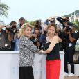 """Catherine Deneuve, Emmanuelle Bercot - Photocall du film """"La Tête haute"""" (hors compétition) lors du 68ème festival de Cannes le 13 mai"""