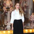 Amber Heard lors du lancement de la nouvelle collection 'Alice au pays des merveilles', œuvre de la styliste Alice Temperley à Londres, le 20 février 2015.
