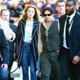 """Johnny Depp et sa fiancée Amber Heard arrivent sur le plateau de l'émission """"Jimmy Kimmel Live"""" à Hollywood. Le 15 janvier 2015"""