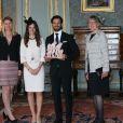 Le prince Carl Philip de Suède et sa fiancée Sofia Hellqvist le 17 mai 2015 lors de la réception au palais Drottningholm, à Stockholm, suivant la cérémonie de publication des bans de leur mariage.