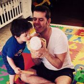 Perez Hilton encore papa : Il présente sa petite fille...