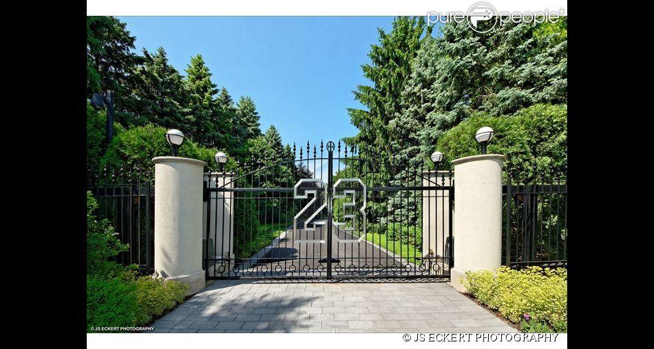 Le célèbre numéro 23 qui orne l'entrée de la demeure de Michael Jordan à Chicago, dans le quartier de Highland Park