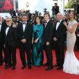 """Jane Fonda, Michael Caine, Harvey Keitel, Paolo Sorrentino, Rachel Weisz, Paul Dano, Alex MacQueen, Madalina Ghenea - Montée des marches du film """"Youth"""" lors du 68e Festival International du Film de Cannes, le 20 mai 2015."""