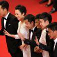 """Yi Zhang, Tao Zhao, Zhang-Ke Jia, Sylvia Chang, Zijang Dong, Jindong Liang - Montée des marches du film """"Shan He Gu Ren"""" (Mountains May Depart) lors du 68e Festival International du Film de Cannes, à Cannes le 20 mai 2015."""