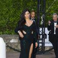 """Adriana Lima arrive à l'hôtel Cap-Eden-Roc pour assister au gala """"Cinema against AIDS 22"""" de l'amfAR. Antibes, le 21 mai 2015."""