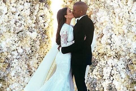 Kim Kardashian et Kanye West : Un an après, ils revivent leur mémorable mariage