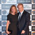 Brad Bird et sa femme Elizabeth lors de l'avant-première du film A la poursuite de demain à Tokyo le 25 mai 2015