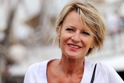 Sophie Davant : Marraine décontractée et souriante d'un séduisant skipper