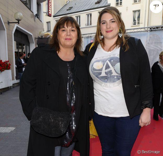 """Michèle Bernier et sa fille Charlotte Gaccio - Dernière du spectacle """"Les Franglaises"""" au théâtre Bobino à Paris, le 27 mai 2015."""