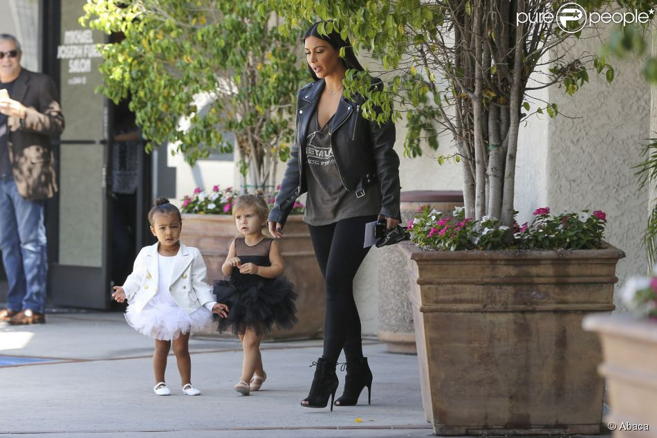 Kim Kardashian, sa fille North et sa nièce Penelope, de sortie entre filles à Los Angeles. Le 28 mai 2015.