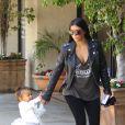 Kim Kardashian et sa fille North quittent les studios Miss Melodee, à l'issue de la leçon de danse de North et Penelope. Tarzana, le 28 mai 2015.