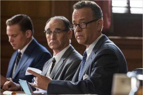 Tom Hanks est sur ''Le Pont des Espions'', en plein dilemme pour Spielberg