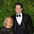 Bradley Cooper et sa mère - Soirée des 69ème Tony Awards au Radio City Music Hall de New York le 8 juin 2015