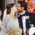 Le prince Carl Philip de Suède et Sofia Hellqvist le jour du mariage à Stockholm le 13 juin 2015