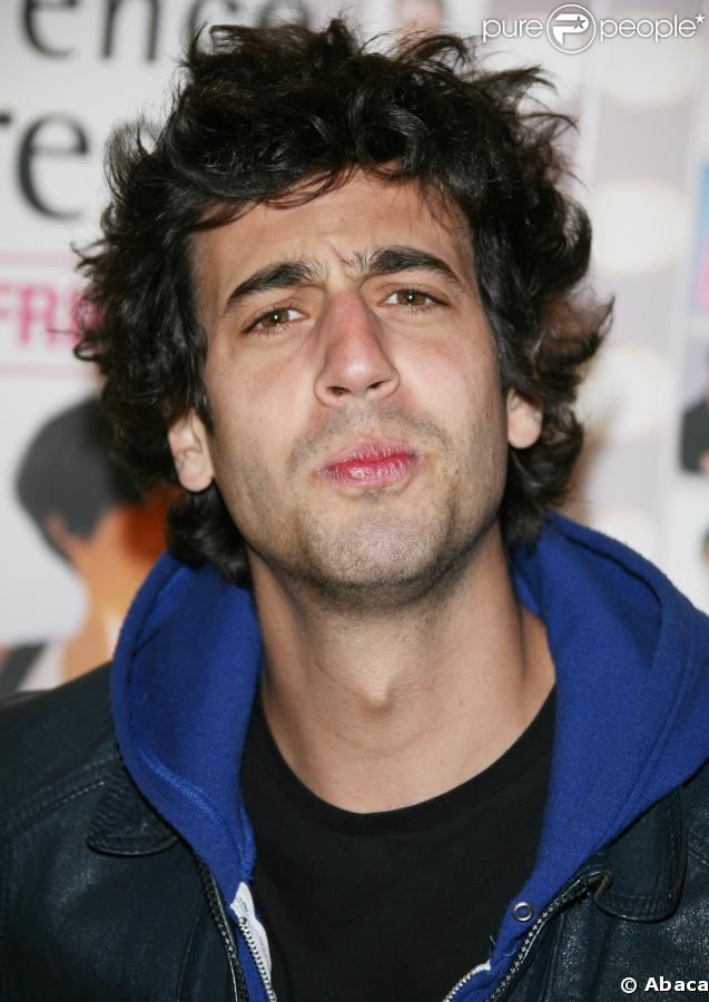 http://static1.purepeople.com/articles/1/16/14/1/@/79699-max-boublil-637x0-1.jpg
