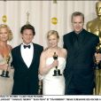 Renée Zellweger, Charlize Theron, Sean Penn et Tim Robbins lors de la cérémonie des Oscars 2004