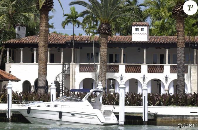 La chic maison de jennifer lopez vendue phil collins pour 33 millions de do - Maison de jennifer lopez ...