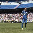 Keylor Navas a étrenné son maillot du Real sur la pelouse de San Bernabeu. Le gardien de but costaricain, nouvelle recrue du Real Madrid, a été officiellement présenté à la presse et aux supporters merengue le 5 août 2014 à Santiago Bernabeu.