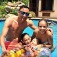 Keylor Navas, nouveau gardien de but du Real Madrid, avec sa femme Andrea Salas, leur fils Mateo (né en avril 2014) et Daniela, fille d'Andrea, en juillet 2014