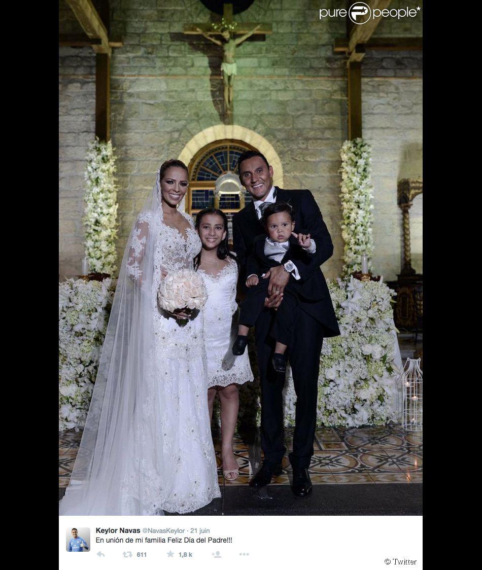 Keylor Navas s'est marié à Andrea Salas devant leurs enfants à San José (Costa Rica) le 21 juin 2015.