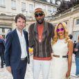 Antoine Arnault, Amar'e Stoudemire et sa femme Alexis Welch - Défilé Berluti printemps-été 2016 au musée Picasso à Paris le 26 juin 2015.