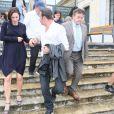 Exclu : Jean Dujardin et sa compagne Nathalie Péchalat enceinte à l'inauguration du cinéma communal Jean Dujardin à Lesparre-Médoc accompagné de ses parents le 27 juin 2015.