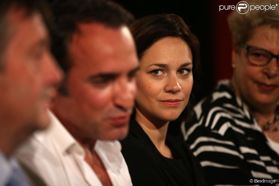 Exclu jean dujardin et sa compagne nathalie p chalat for Jean dujardin parents