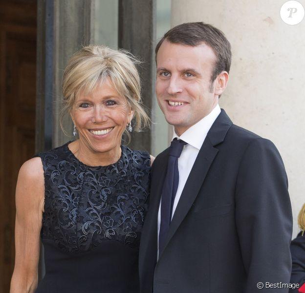 Emmanuel Macron Et Son Epouse 20 Ans D Ecart Presque Autant D Amour Purepeople