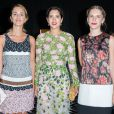 Alexia Niedzielski, Noor Farès et Eugénie Niarchos au défilé de mode Giambattista Valli, collection Haute Couture automne-hiver 2015-2016 à Paris, le 6 juillet 2015.