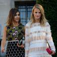 Jessica Alba et sa meilleure amie Kelly Sawyer arrivent au défilé de mode Giambattista Valli, collection Haute Couture automne-hiver 2015-2016 à Paris, le 6 juillet 2015.