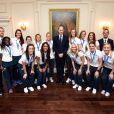 Le prince William recevait le 9 juillet 2015 les Lionnes de l'équipe de foot d'Angleterre à petit-déjeuner au palais de Kensington, après leur médaille de bronze à la Coupe du monde.