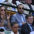 Pippa Middleton et son frère James Middleton assistaient le 9 juillet 2015 aux demi-finales du tableau féminin du tournoi de Wimbledon, à Londres.