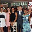 La princesse Stéphanie de Monaco avec ses enfants Pauline Ducruet, Camille Gottlieb et Louis Ducruet, entourés d'artistes et d'invités à leur arrivée le 10 juillet 2015 au Sporting de Monte-Carlo lors du gala annuel au profit de l'association Fight Aids Monaco, présidée par la princesse Stéphanie de Monaco.