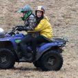 """Exclusif - Rebecca Hall sur un quad lors du tournage du film """"Tumbledown"""" à Ayer, le 30 mars 2014."""