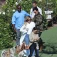 Exclusif - Kris Jenner, son compagnon Corey Gamble, Kourtney et Khloé Kardashian au Malibu Wine Safari. Malibu, le 10 juillet 2015.
