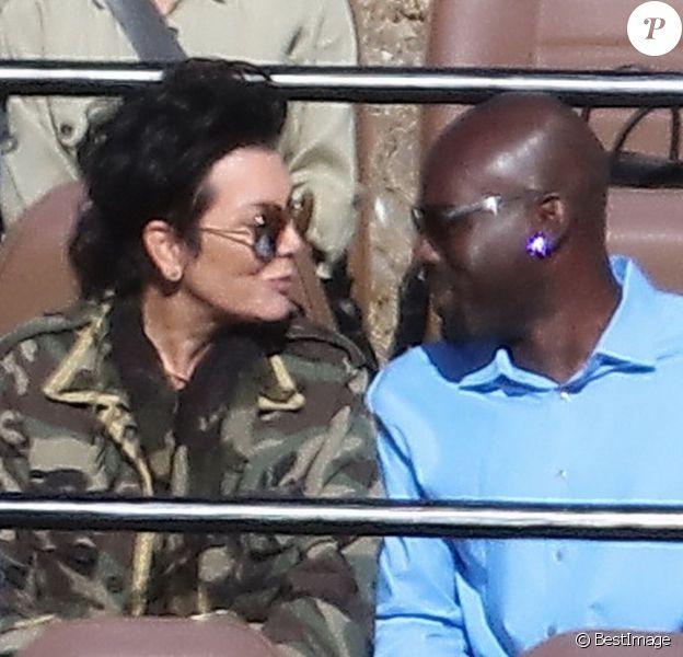 Exclusif - Kris Jenner et son compagnon Corey Gamble en amoureux au Malibu Wine Safari. Malibu, le 10 juillet 2015.