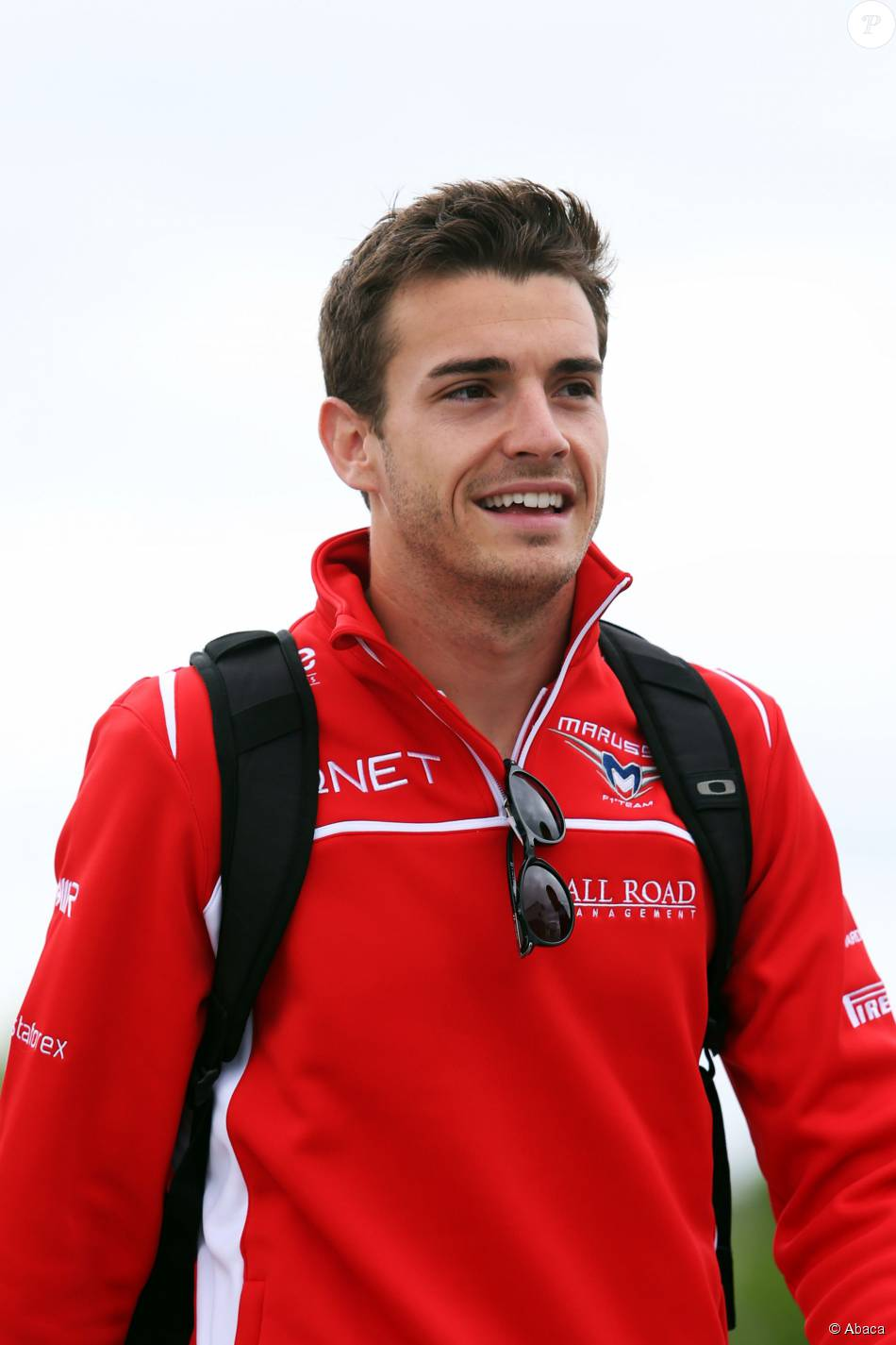 mort de jules bianchi ses obs ques annonc es l 39 motion de son ami max chilton. Black Bedroom Furniture Sets. Home Design Ideas