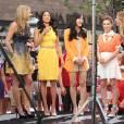 "Alyssa Milano, Yunjin Kim, Rochelle Aytes, Jes Macallan - People sur le plateau de l'emission ""Extra!"" a Los Angeles, le 14 mai 2013."