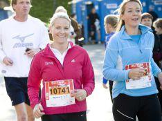 PHOTOS : La princesse Mette-Marit de Norvège, 10km à pied... et avec le sourire, s'il vous plaît !