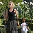 Charlize Theron emmène son fils Jackson chez un ami à Los Angeles, le 3 août 2015. La star vient d'adopter une petite fille afro-américaine