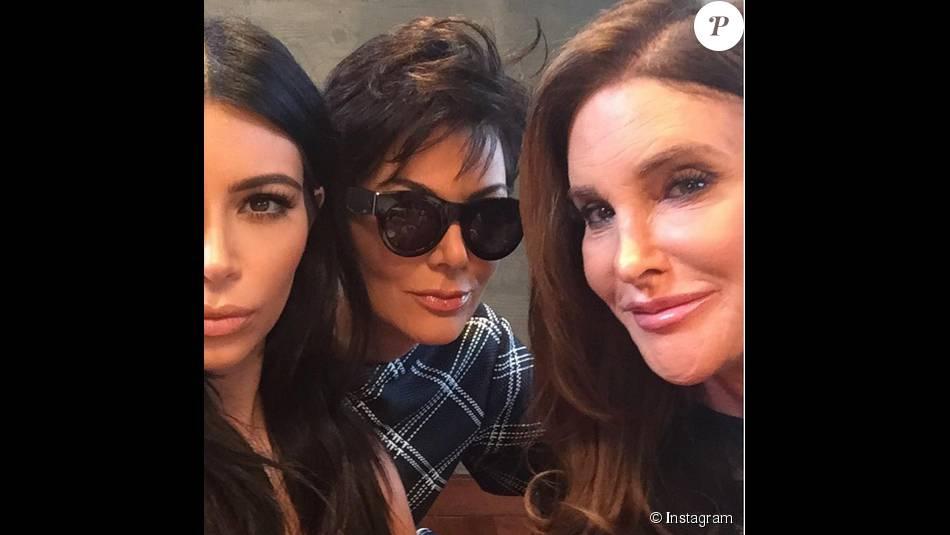 Kylie Jenner a réuni ses parents Caitlyn et Kris Jenner ainsi que sa soeur Kim Kardashian pour son anniversaire au restaurant Nobu à Malibu / août 2015