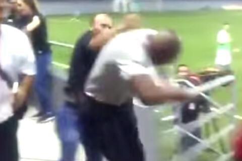 Paulo Wanchope : L'ex-star du foot se bat avec un spectateur en plein match...