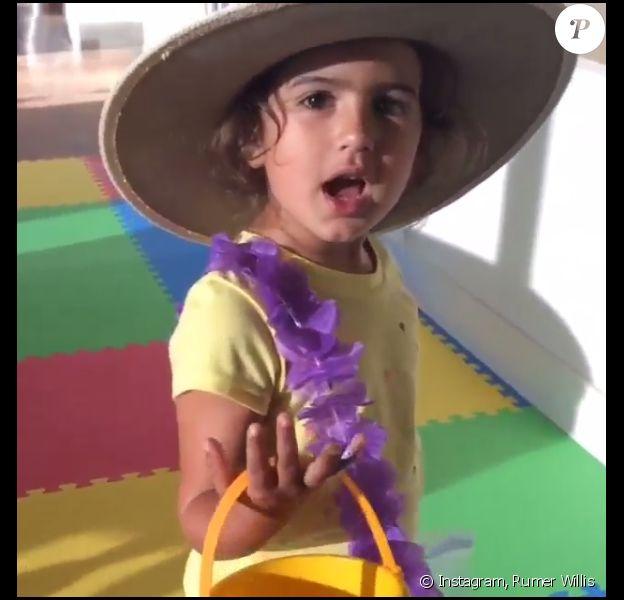 Mabel Ray, 3 ans, fete l'anniversaire de sa soeur ainée Rumer Willis. Vidéo postée le 17 aout 2015.