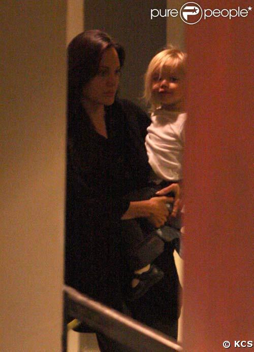 Angelina Jolie arrive à New York avec Shiloh, le 1/10/08