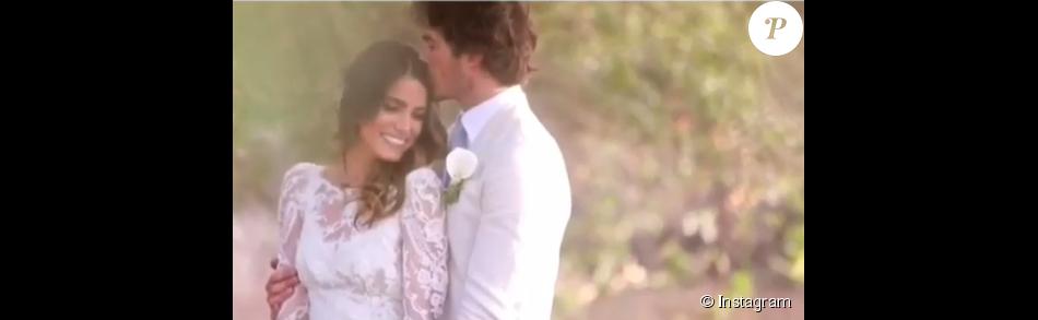 Nikki Reed et son mari Ian Somerhalder le jour de leur cérémonie de mariage / photo postée sur le compte Instagram de l'actrice américaine.