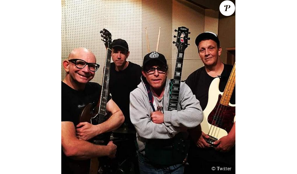 Greg Hetson avec son groupe Punk Rock Karaoke